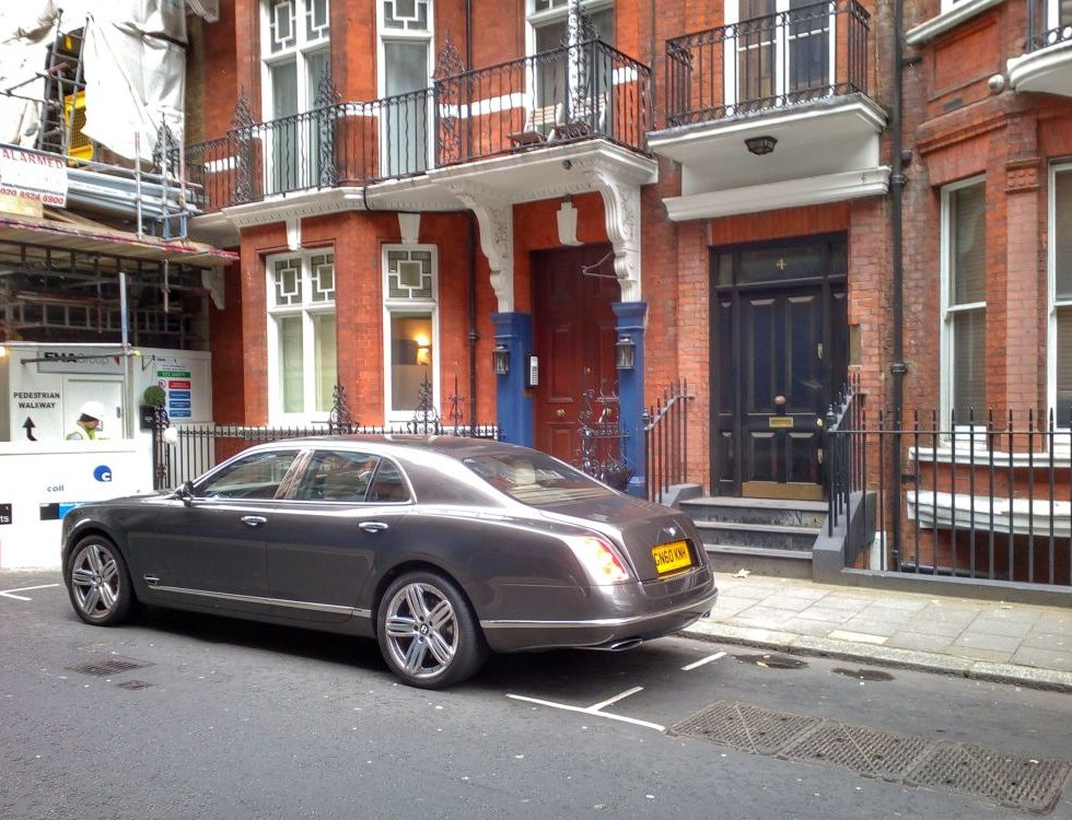 London, car Maybach